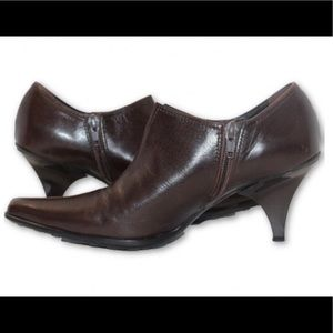 CASADEI LEATHER ANKLE BOOT W/ POINTED TOE BOOT 36